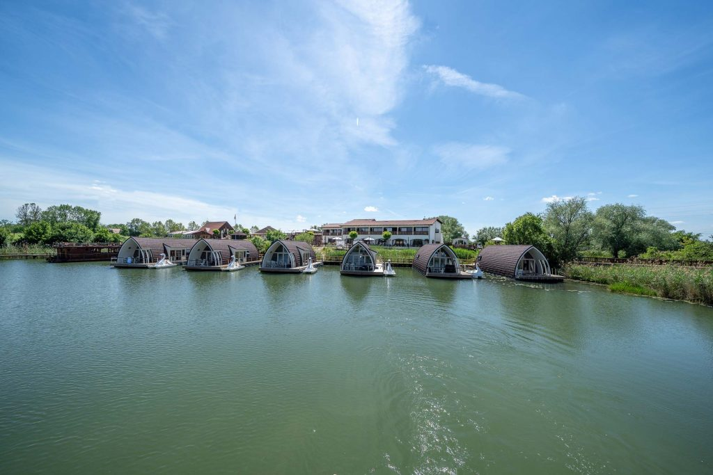 Erlebnisdorf Elbe Parey Schwimmende Seehotels an der Elbe