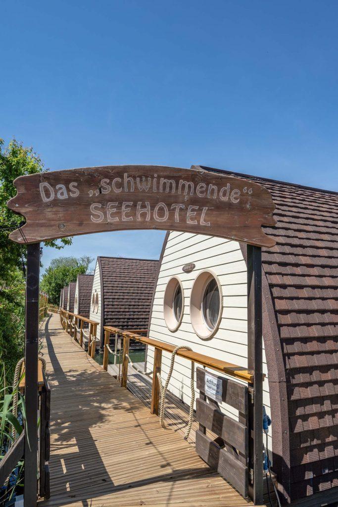 Erlebnisdorf Elbe Parey Schwimmendes Seehotel Eingang